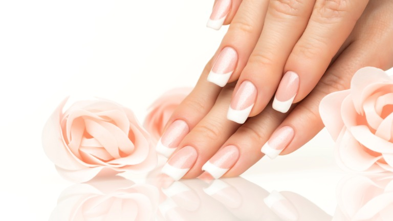 Formation complète gel, styliste d'ongles - 90 heures (jour)